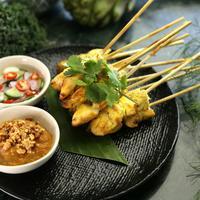 Ilustrasi sate ayam ala Thailand./Copyright pixabay.com/users/Huahom-2139128/