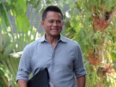 Presiden Komisaris PT Mugi Rekso Abadi (MRA) Soetikno Soedarjo tiba di Gedung KPK, Jakarta, Rabu (12/9). Soetikno menjalani pemeriksaan sebagai saksi terkait dugaan suap pengadaan pesawat dan mesin pesawat di PT Garuda Indonesia. (Merdeka.com/Dwi Narwoko)