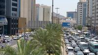Jalanan di Makkah nampak padat oleh jemaah haji yang akan melempar jumrah. (MCH Indonesia)