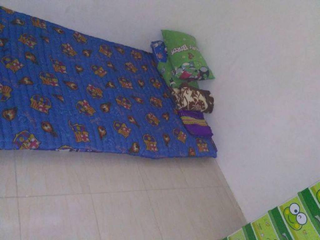Tempat tidur Rika dan sang suami. (Facebook/Rika Prasetiya)