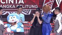 Tangis haru Cinta (Bangka Belitung) pecah saat kedatangan Ayahanda di panggung LIDA 2020. (Indosiar)