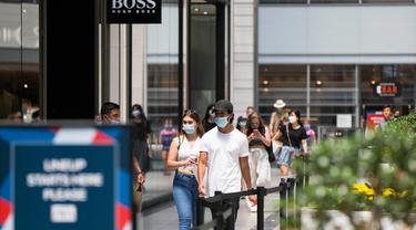 Masker Jadi Barang Wajib yang Digunakan di Toronto