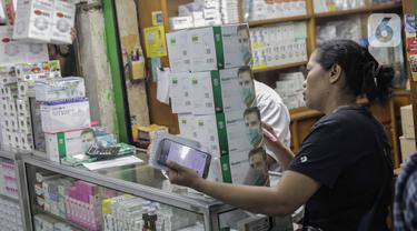Indonesia Positif Corona, Warga Serbu Pasar Pramuka