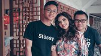Azriel Hermansyah bersama Anang dan Ashanty [foto: instagram]