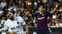 Luis Suarez tampak frustrasi saat gagal memanfaatkan peluang BArcelona (JOSE JORDAN / AFP)
