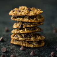 oatmeal cookies/copyright: unsplash/whitney wright