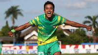 Mantan pemain Madura FC, Ghufroni Almaruf, yang mulai musim 2019 gabung Madura United. (Bola.com/Aditya Wany)
