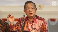 Menteri Koordinator Bidang Perekonomian Darmin Nasution saat meluncurkan Paket Kebijakan Ekomomi XVI di Kantor Presiden, Jakarta, Jumat (16/11). Pemerintah meluncurkan Paket Kebijakan Ekonomi XVI. (Liputan6.com/Angga Yuniar)