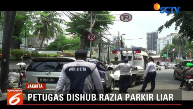 Protes yang terjadi antara pemilik kendaraan dengan petugas saat berlangsungnya razia parkir liar di tepi dan bahu jalan memang kerap terjadi.
