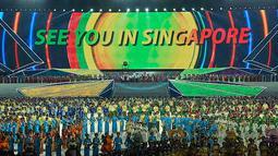 Ribuan penari menyemarakkan Upacara Penutupan SEA Games Ke-27 di Stadion Wunna Theikdi, Naypyitaw, Myanmar, Minggu (22/12/13) (Antara Foto/Prasetyo Utomo).