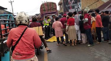 Kendaannya Tergelincir di Jalan Licin, Satpam di Ogan Ilir Tewas Terlindas Truk