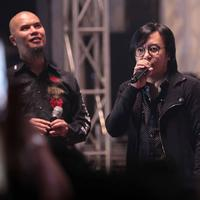 Dewa 19 di 90s Music Harmony (Deki Prayoga/Bintang.com)