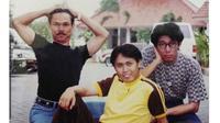 Genap 26 Tahun, Ini 6 Foto Lawas Grup Lawak Patrio di Awal Karier (sumber: Instagram.com/ustadzakriepatrio)