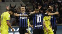Gelandang Inter Milan Ivan Perisic merayakan golnya ke gawang Chievo pada pekan ke-36 Liga Italia di Giuseppe Meazza, Selasa (14/5/2019) dini hari WIB. Inter menang 2-0.(AP Photo/Luca Bruno)