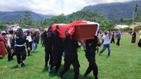 Jenazah Briptu Herlis Pombili, korban baku tembak antara MIT dengan personil Brimob di Sulawesi Tengah(Liputan6.com/Ahmad Akbar Fua)