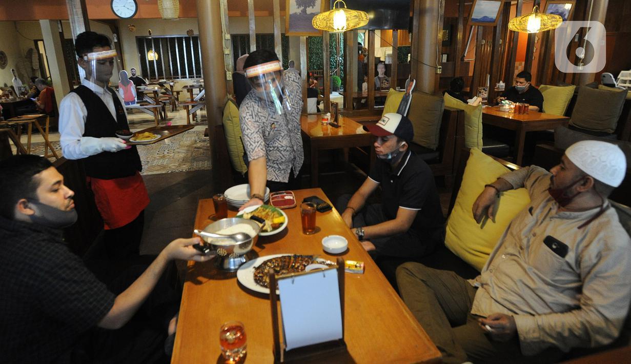 FOTO: Rumah Makan di Bogor Mulai Terapkan New Normal - News ...