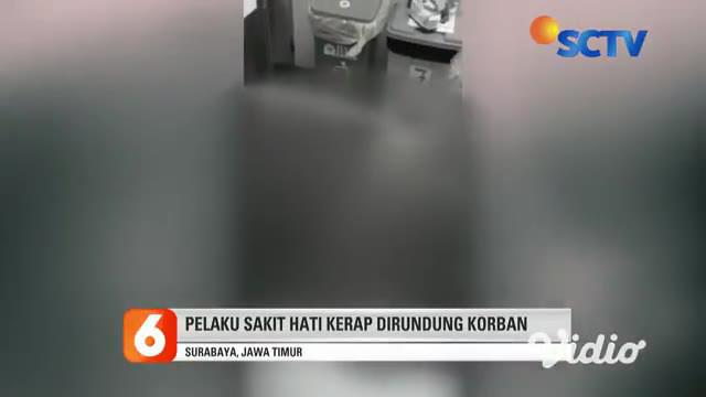 Seorang pria meninggal dengan bersimbah darah, di salah satu pusat kebugaran di Surabaya, Jawa Timur, pada Senin pagi (26/4). Pelaku pembunuhan merupakan pelatih kebugaran korban, yang berawal cekcok.
