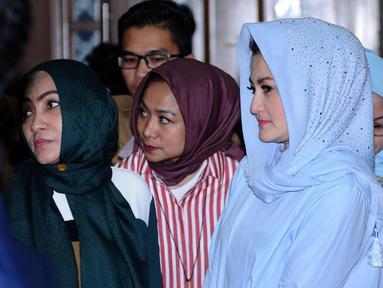 Deisti Astriani Tagor usai mengikuti sidang lanjutan dugaan korupsi e-KTP dengan terdakwa Setya Novanto di Pengadilan Tipikor, Jakarta, Kamis (18/1). Sidang beragendakan mendengar keterangan saksi. (Liputan6.com/Helmi Fithriansyah)