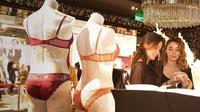 Victoria's Secret membuka toko lingerie pertamanya di Jakarta, tepatnya di EastMall Grand Indonesia. (Foto: fimela.com/Bambang E. Ros)