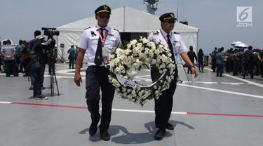 Keluarga Korban Lion Air JT 610 Doa Bersama