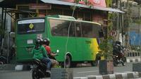 Tingkat keterisian bus Trans Jogja berkapasitas 41 orang bervariasi antara 39 persen hingga 54 persen. (Liputan6.com/Switzy Sabandar)