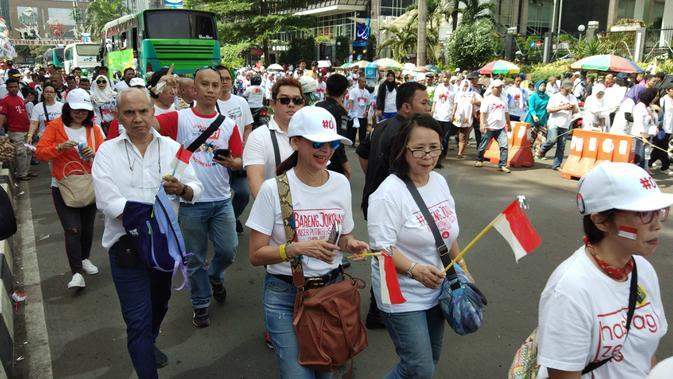 Pendukung pasangan capres cawapres nomor urut 01 Jokowi-Ma'ruf Amin mulai memadati GBK, Jakarta. (Liputan6.com/ Ady Anugrahadi)