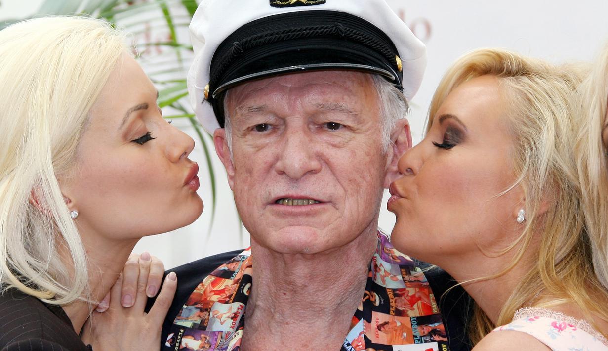 старый миллионер с молодой женой блондинкой последние годы заметил