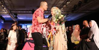 Parade fesyen hijab Indonesian Fashion Week terangkum secara sempurna, Kamis (10/03/2016). (Andy Masela/Bintang.com)