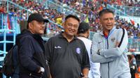 CEO Arema, Agoes Soerjanto, Ruddy Widodo (GM Arema), dan Iwan Budianto (Wakil Ketua Umum PSSI). (Bola.com/Iwan Setiawan)