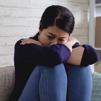 Perempuan dan rasa kesepian./Copyright shutterstock.com/g/PRPicturesProduction