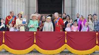 Para anggota keluarga Kerajaan Inggris menghadiri upacara peringatan ulang tahun Ratu Elizabeth II di Istana Kensington. (dok. Daniel LEAL-OLIVAS / AFP)