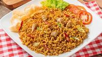 Nasi goreng mi bisa menjadi salah satu varian Anda dalam memasak nasi goreng. (foto: cookpad)