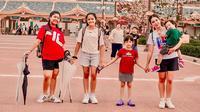 Ussy Sulistiawaty saat liburan di Jepang bersama anak-anaknya (Dok.Instagram/@ussypratama/https://www.instagram.com/p/B0fTkFuBio7/Komarudin)