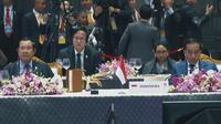 Presiden Jokowi ketika berbicara pada sesi Special Lunch On Sustainable Development yang berlangsung di Impact Exhibition and Convention Center, Bangkok, Thailand. (Biro Pers)