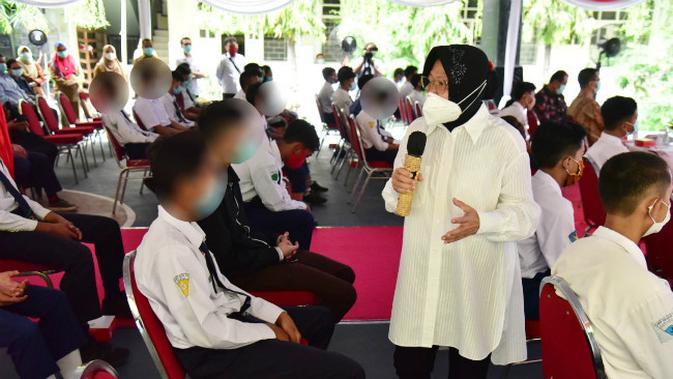 Wali Kota Surabaya Tri Rismaharini (Risma) memberikan pengarahan kepada 58 pelajar Surabaya. (Foto: Dok Pemkot Surabaya)