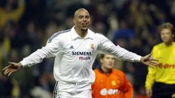 2. Ronaldo Luis - Ronaldo hanya menghabiskan satu musim saat bersama Barcelona pada 1996-1997. Pemain asal Brasil kemudian pindah ke Inter Milan dan pada tahun 2002 bergabung dengan Real Madrid selama lima musim. (AFP/Javier Soriano)