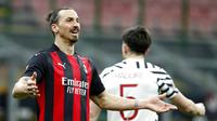 Ekspresi pemain AC Milan Zlatan Ibrahimovic saat melawan Manchester United pada pertandingan leg kedua babak 16 besar Liga Europa di Stadion San Siro, Milan, Italia, Kamis (18/3/2021). Manchester United  menang 1-0. (AP Photo/Antonio Calanni)