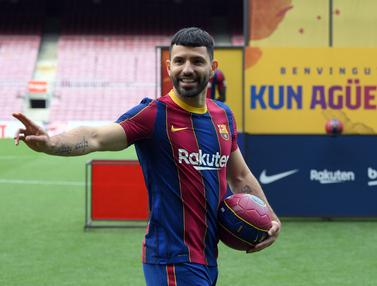 Senyum Sergio Aguero Resmi Berlabuh ke Barcelona
