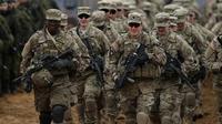 Tentara AS sedang melakukan latihan bersama dengan berbagai kelompok militer internasioal (AP?Mindaugas Kulbis)
