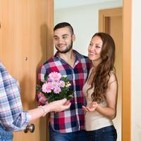 Ilustrasi memperkenalkan pasangan pada orangtua. (iStockphoto)
