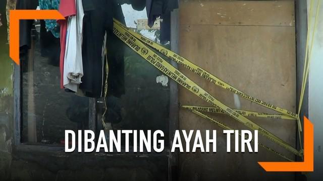 Seorang bocah tewas dibanting oleh ayah tiri. Warga yang curiga pun melaporkan kejadian ini ke polisi.