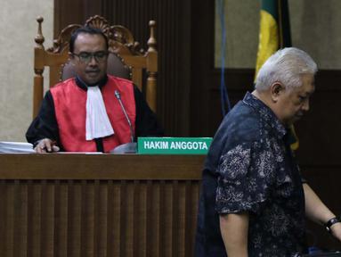 Terdakwa dugaan suap anggota Komisi I DPR 2014-2019 Fayakhun Andriadi terkait penambahan anggaran untuk pengadaan proyek satelit monitoring dan drone Bakamla, Erwin Syaaf Arief saat menjalani sidang lanjutan di Pengadilan Tipikor, Jakarta, Senin (5/8/2019). (Liputan6.com/Helmi Fithriansyah)