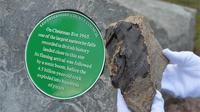 Pada Malam Natal 1965, meteorit jatuh ke Bumi di desa Leicestershire, Barwell. (spacecentre.co.uk)