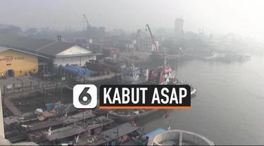 Kabut asap di Kota Palembang semakin pekat. jarak pandang kurang dari 100 meter. Warga meminta pemerintah pusat turun tangan mengatasi masalah ini.