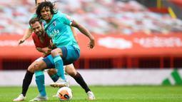 Nathan Ake menjadi salah satu bek tengah termahal di dunia setelah dilabuhkan Manchester City dari Bournemouth. (AFP/Peter Powll/pool)