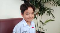 Michael Geraldo, siswa kelas 7 di SMPN 2 Bandung, yang menjadi penyanyi cilik terbaik se-Asia Pasifik. (Fathia Uqimul Haq/ayobandung.com)