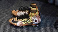 Sepatu milik pemain Crystal Palace Bakary Sako yang bergambar anime Dragon Ball. (dok Soccerbible)