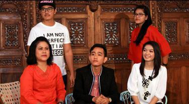 Kabarnya Gibran Rakabuming dan Selvi Ananda akan menggelar pesta pernikahan secara sederhana di Gedung Graha Solo, Jawa Tengah, pada Juni 2015.