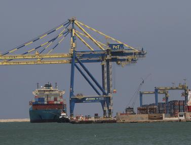FOTO: Usai Ledakan, Pelabuhan Tripoli Siap Gantikan Sementara Pelabuhan Beirut
