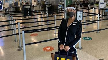 Pengalaman Aneh Farah Quinn Saat Terbang ke Amerika Pertama Kali di Masa Pandemi
